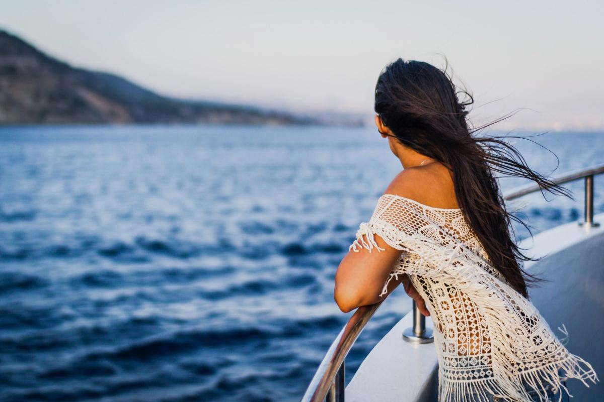 Calma en un barco de alquiler